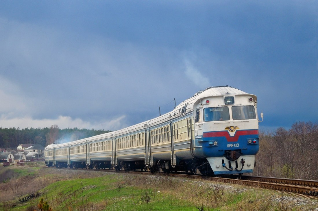 Поезд ДР1А