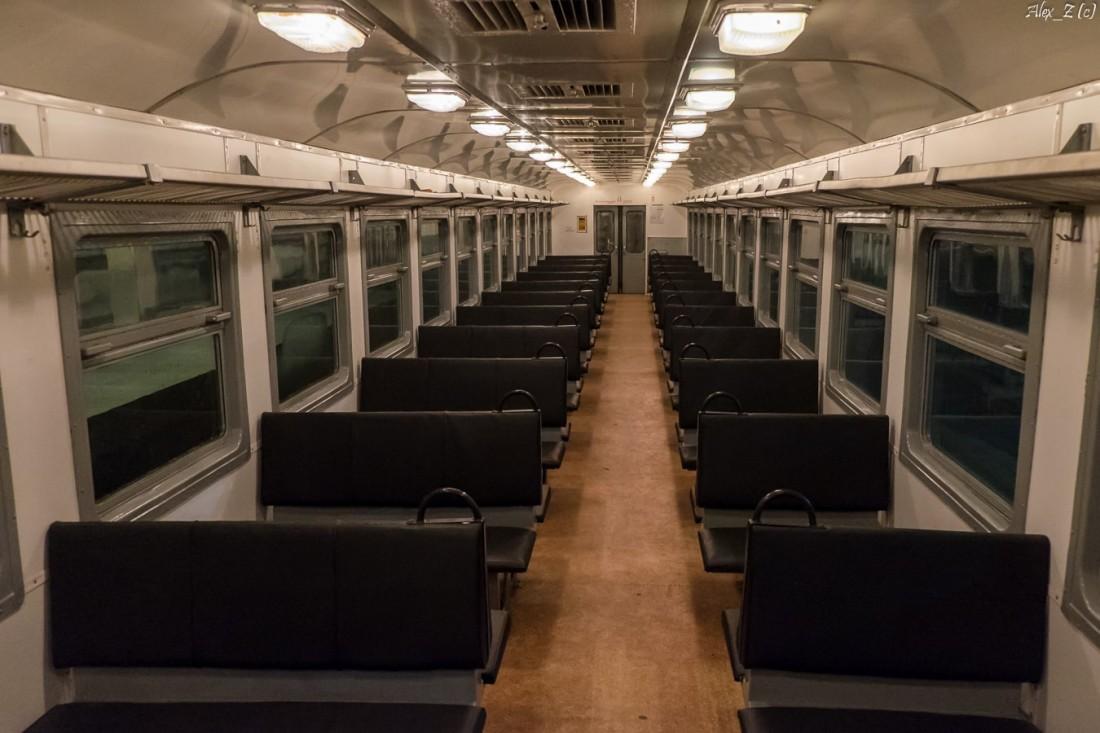 Кабина и пульт управления поезд ДР1А