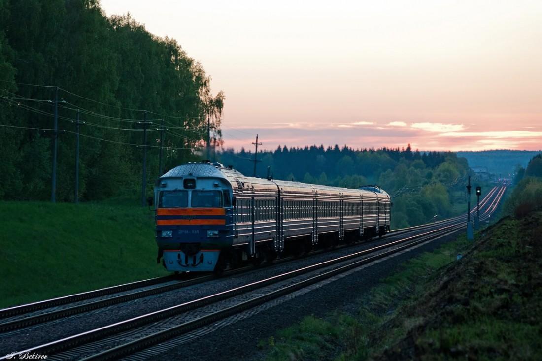 Поезд ДР1А на станции