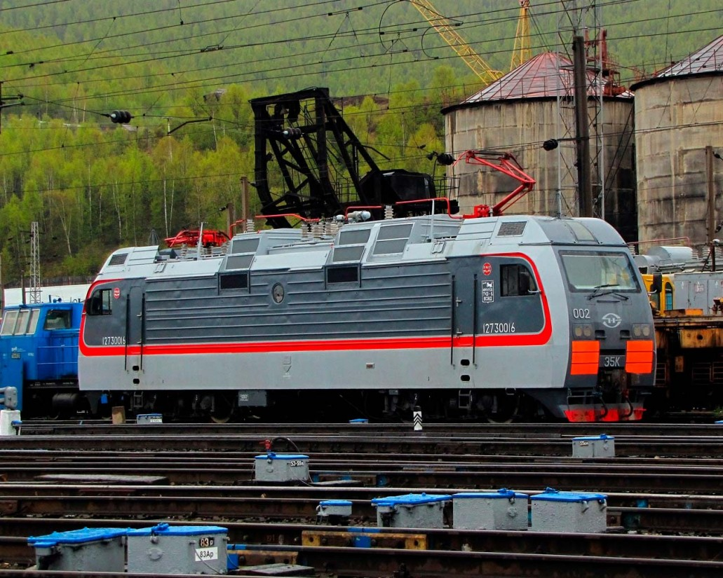Электровоз Э5К на стоянке в Иркутске