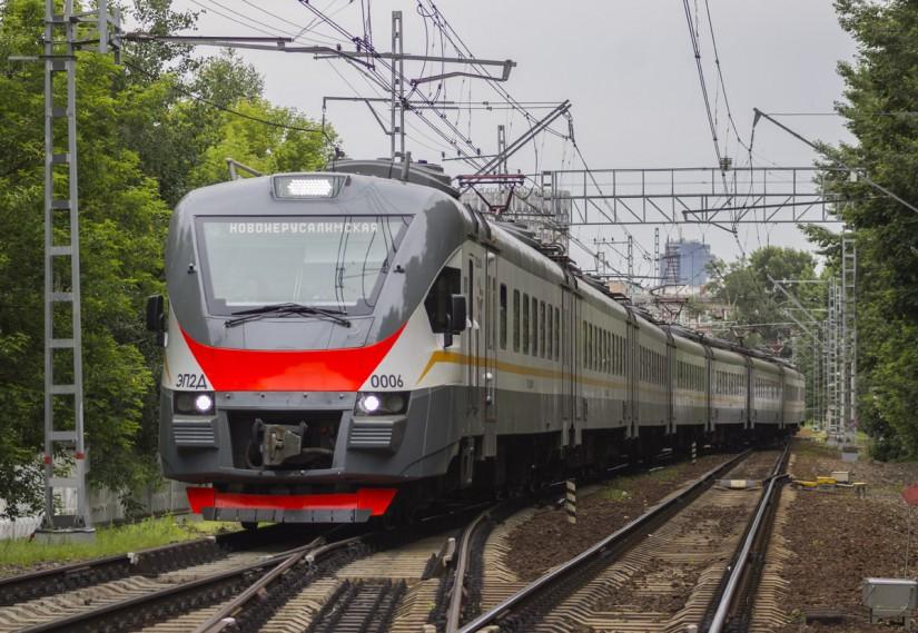 Электровоз ЭП2Д в Московской области