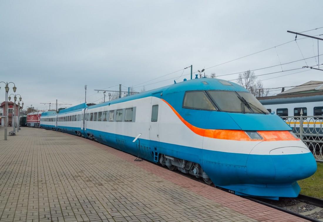 Сокол-250 (ЭС-250) на станции
