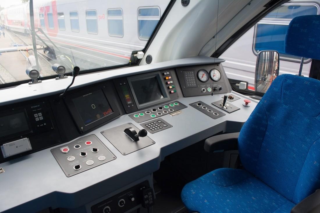 Кабина рельсового автобуса РА3