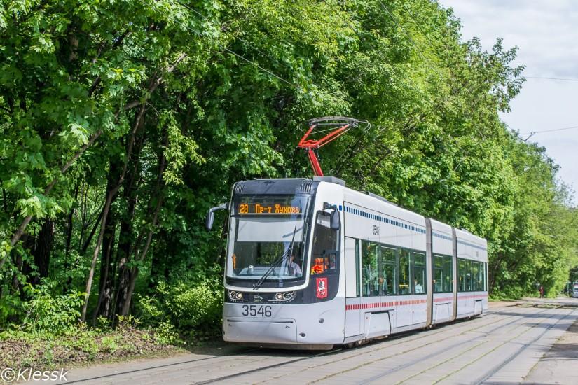Трамвай Pesa на улице Авиационной, маршрут №28