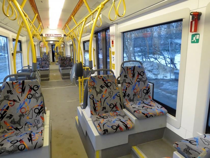 Салон трамвая Pesa, вид спереди